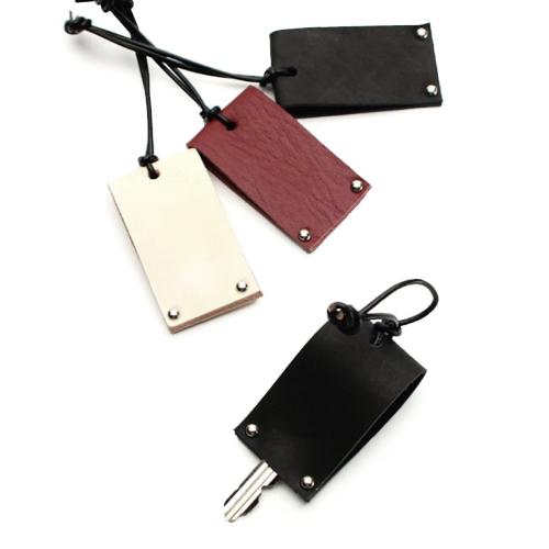 革小物のOEM,レザーキーカバー,会社の記念品や、イベントのノベルティ、ライブグッズなどを小ロットで製作可能