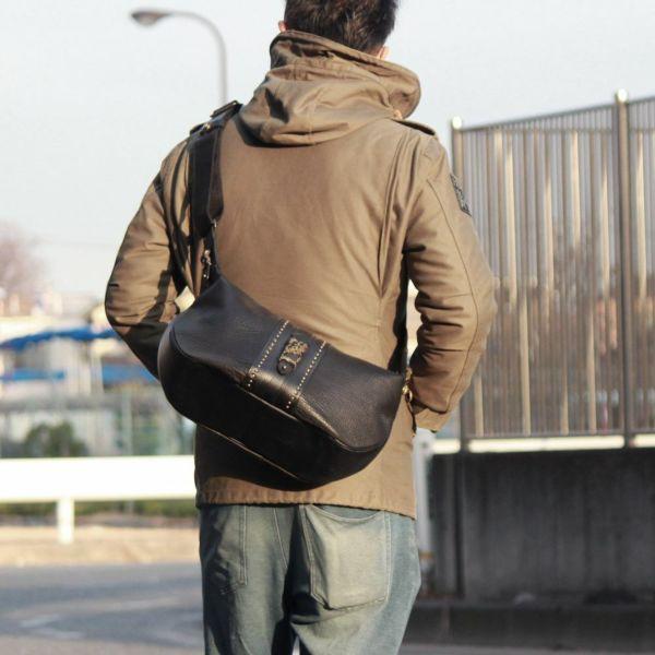 レザーブランドS'FACTORY BURNOUT ショルダーバッグ カウレザー ブラック(牛革)メンズ レザー ボディ バッグ