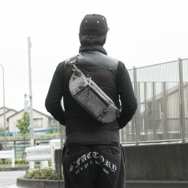 レザーブランドS'FACTORY BURNOUT ボディバッグ バッファロー ブラック×ホワイト(水牛革)メンズ レザーバッグ
