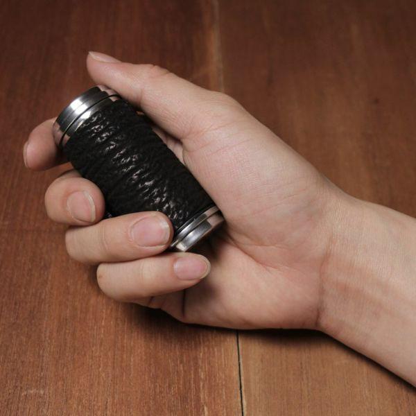 レザーブランドS'FACTORY 携帯灰皿 サメ革(シャークスキン)