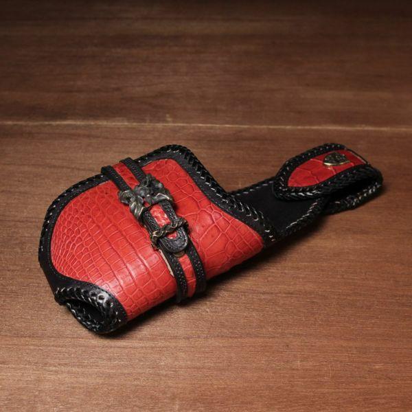 レザーブランドSIXTHSENSE バイカーズウォレット レッド クロコダイル(ワニ革)赤い 革財布