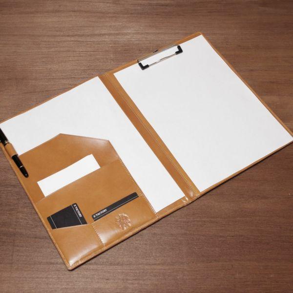 レザーブランドS'FACTORY A4 レザーバインダー カウレザー キャメル(牛革)本革 ステーショナリー