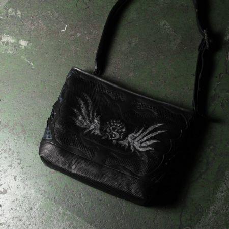 クロコダイル,ワニ革,斜め掛け,ショルダー,バッグ,レザー,革,鞄