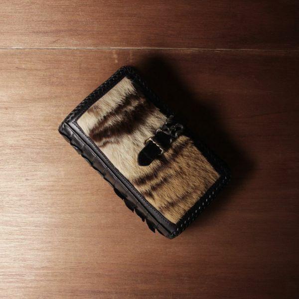 虎革,トラ毛皮,システム手帳,ステーショナリー,レザー,革,黒,ブラック