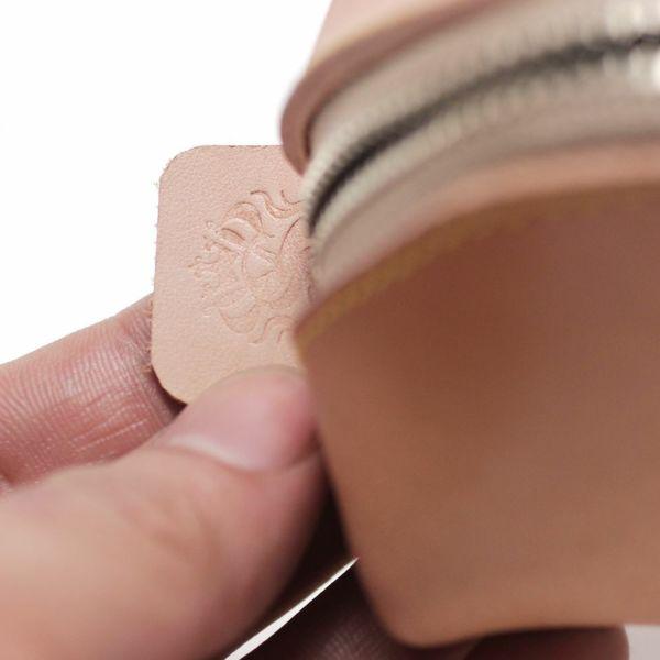 レザーブランドS'FACTORY「三角 ペンケース 栃木レザー ナチュラル(牛革)」商品画像