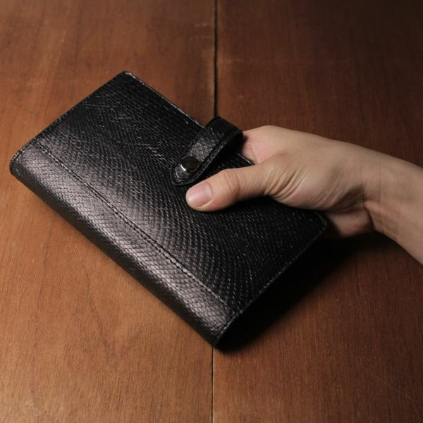 レザーブランドS'FACTORY「 システム手帳 バイブルサイズ ブラックパイソン(ヘビ革)」商品画像