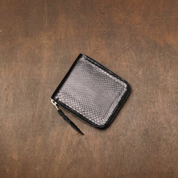 レザーブランドS'FACTORY「スリムファスナー ショート ウォレット ブラックパイソン(ヘビ革)」商品画像